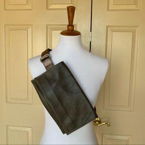 NWOT Rough & Tumble DZ Belt Bag